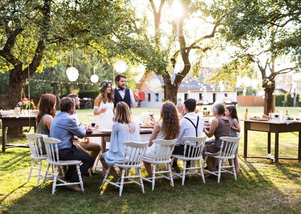 家族婚・少人数婚だからゲスト一人ずるにスピーチをしてもらったり、ウエディングツリーをオリジナルで創ると盛り上がる