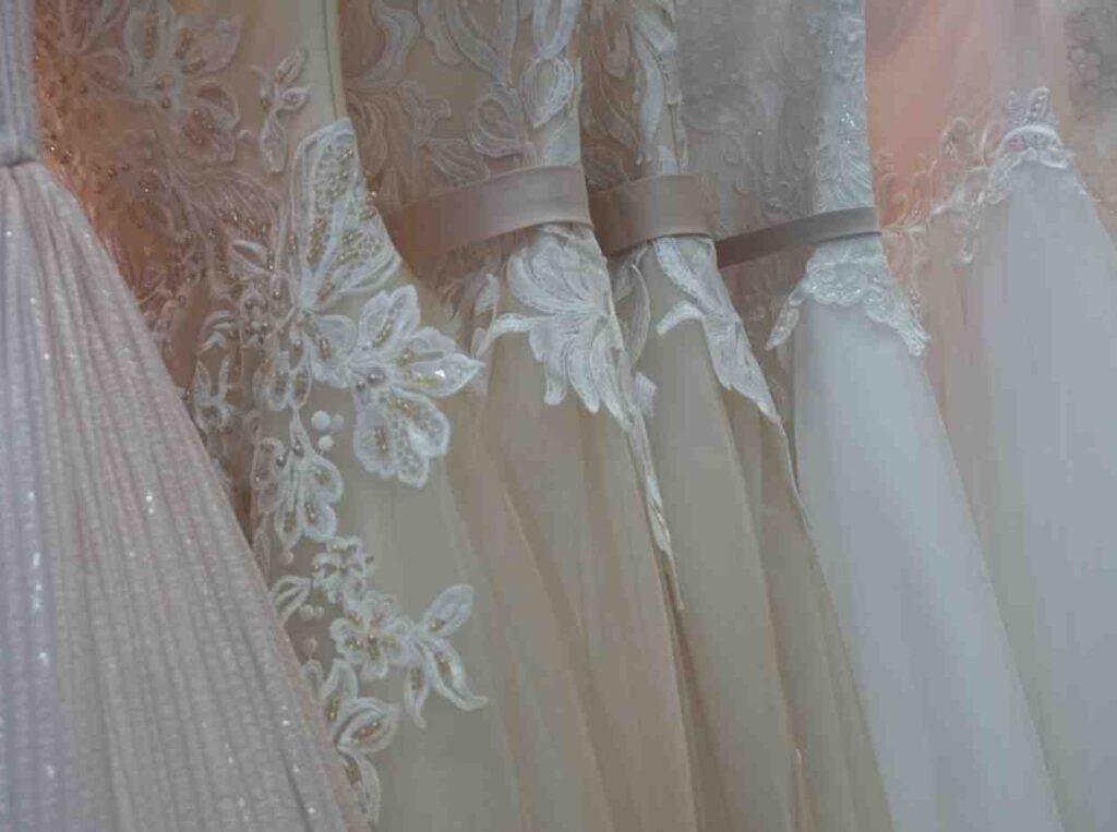 結婚式のドレスが友人とかぶったらどうする?先輩花嫁が教える解決法