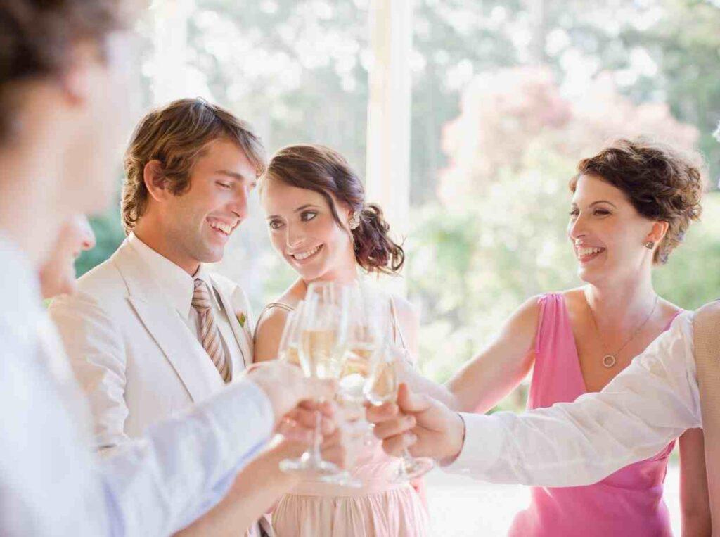結婚式の後は1人で参列するゲストに新郎新婦からお礼の連絡を