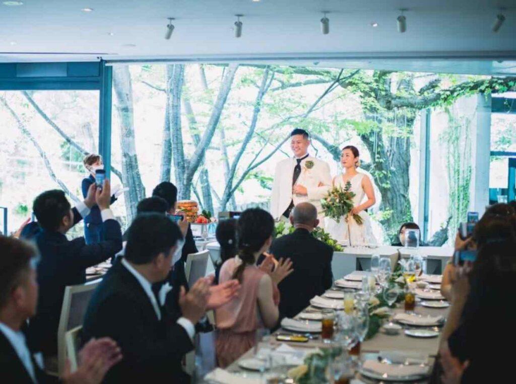 コロナ禍で結婚式を実施した先輩カップルのコロナ対策アイデア集を紹介
