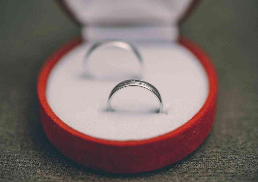 入籍日の過ごし方|結婚指輪のオーダー・受け取り